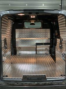 Peugeot Expert podłoga i panele z aluminium